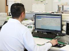 GPS(全地球測位システム)による車両動態管理システム